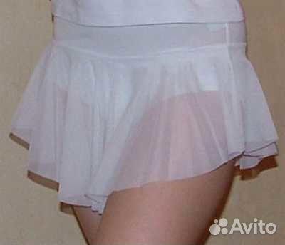У гимнастки под юбкой девушек трах