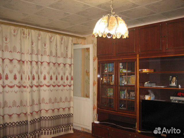 Продается четырехкомнатная квартира за 2 780 000 рублей. ул Хлыновская, 20.