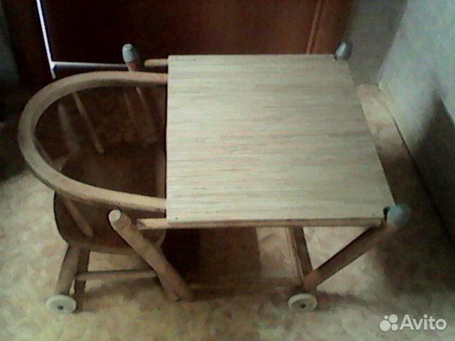 деревянный стульчик для кормления малыша