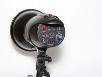 FST E-180 вспышка студийная с рефлектором, новая